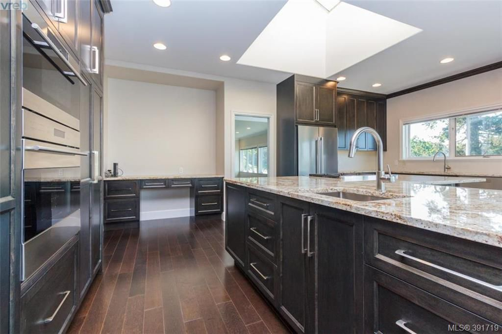 Comsense Holdings | Home :: Nanaimo Kitchen Cabinets and Cabinet ...
